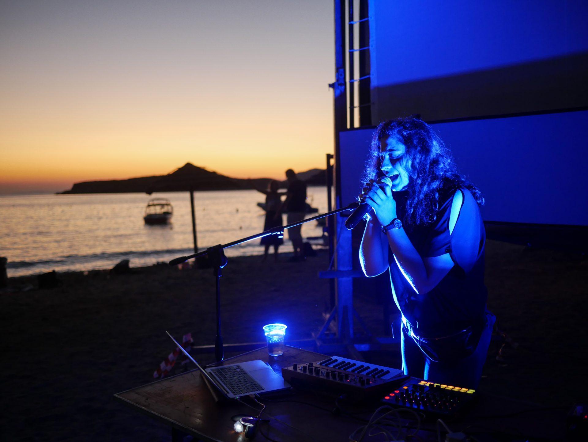 Nada El Shazly performing at Komito Beach [Photo by Myrto Tzima]